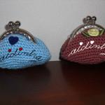 Bolsas em crochet, azul e salmão escuro