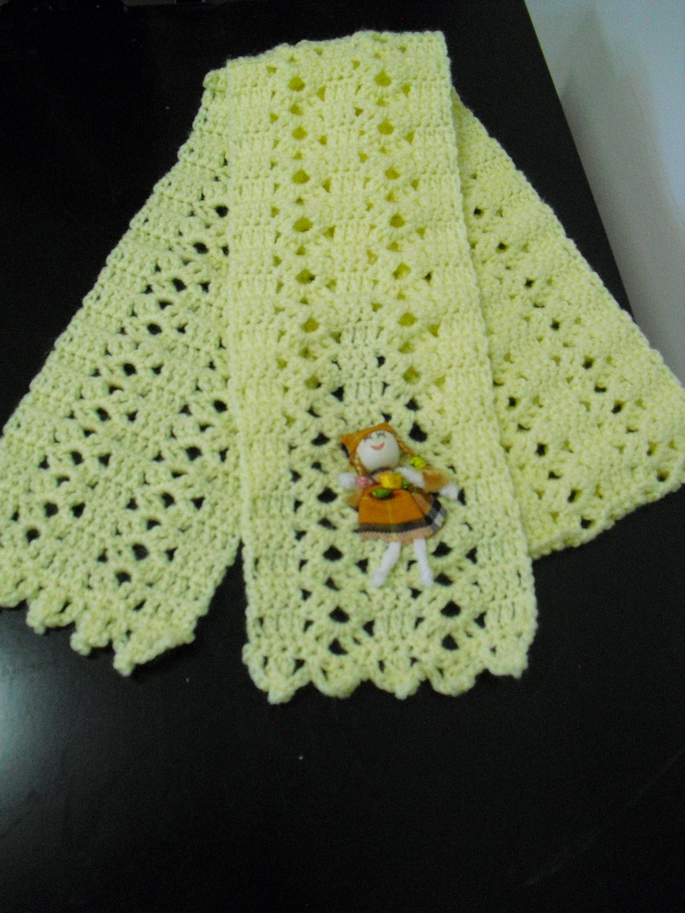 vista de todo o cachecol de crochet
