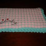 Manta, em crochet, para bébé em rosa
