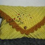 Bolsa, em crochet, tipo envelope, amarela