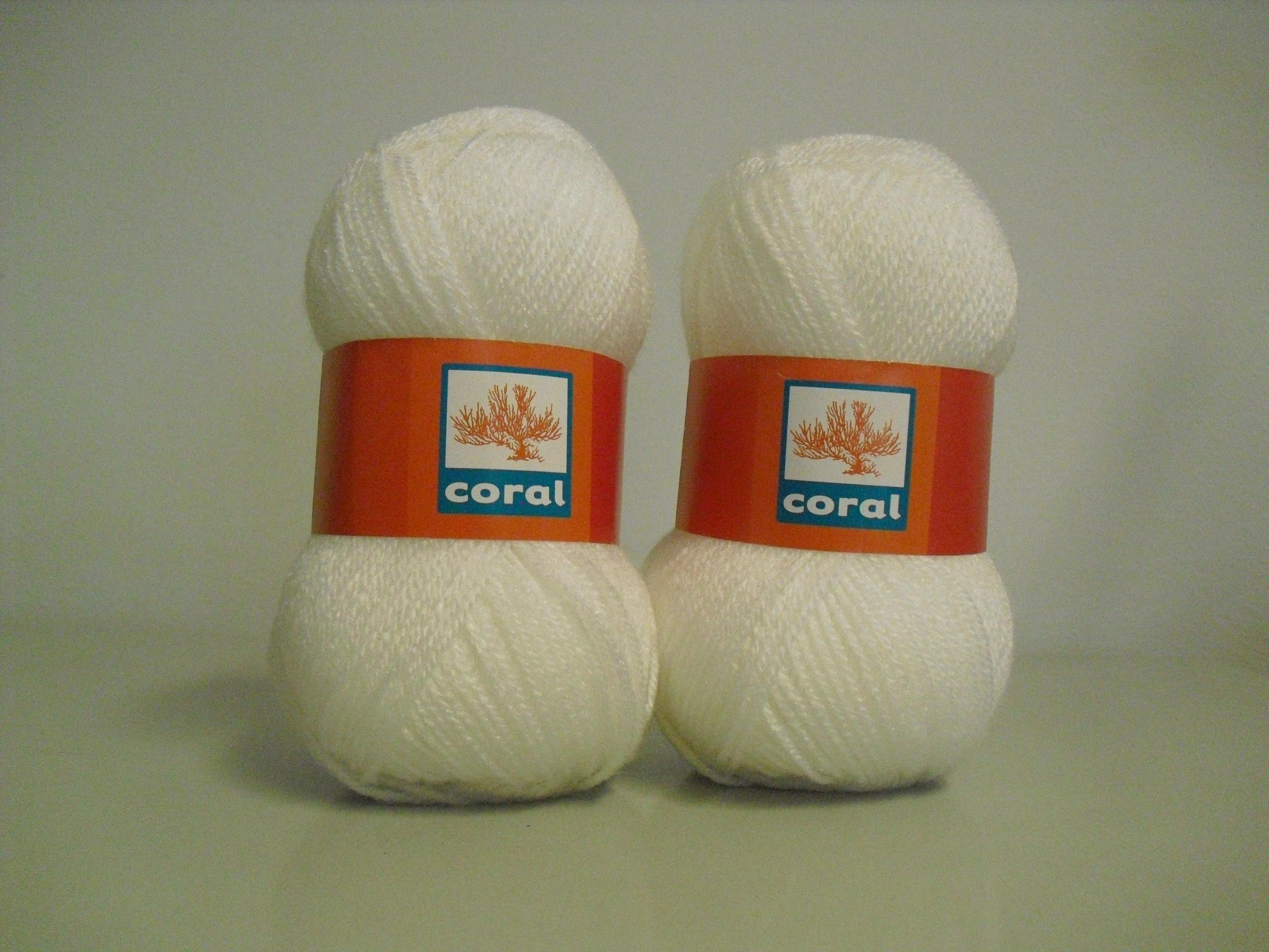 Lã utilizada na gola de crochet branca