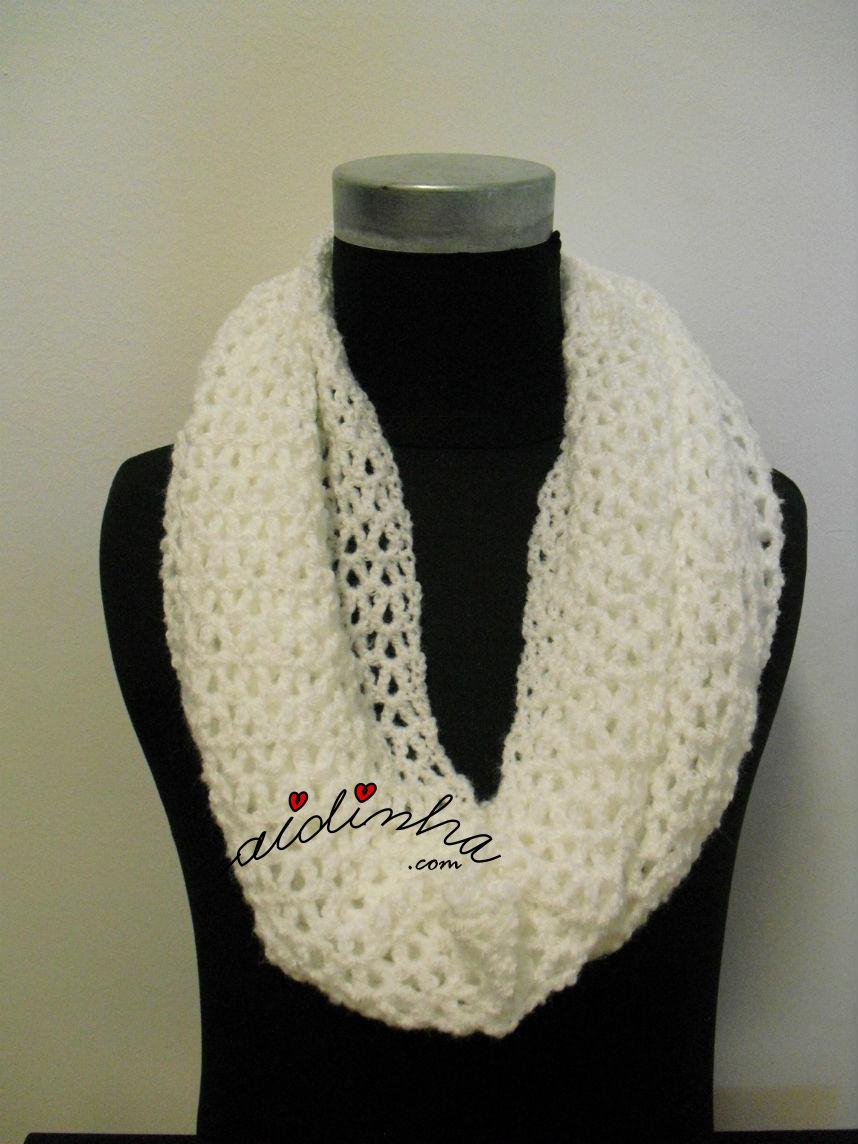 Gola, em crochet, simples e branca