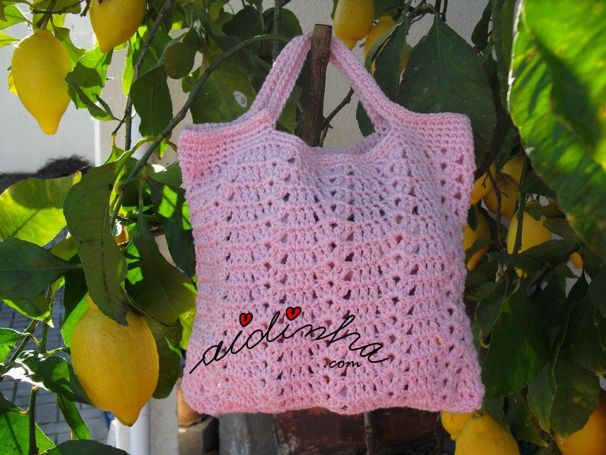 Bolsa em crochet, rosa, com alças