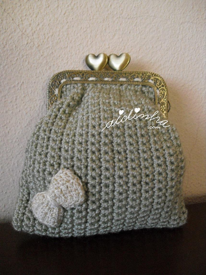 Bolsa em crochet, cinza com lacinho