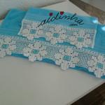 Conjunto toalhas banho, na cor turquesa com renda branca