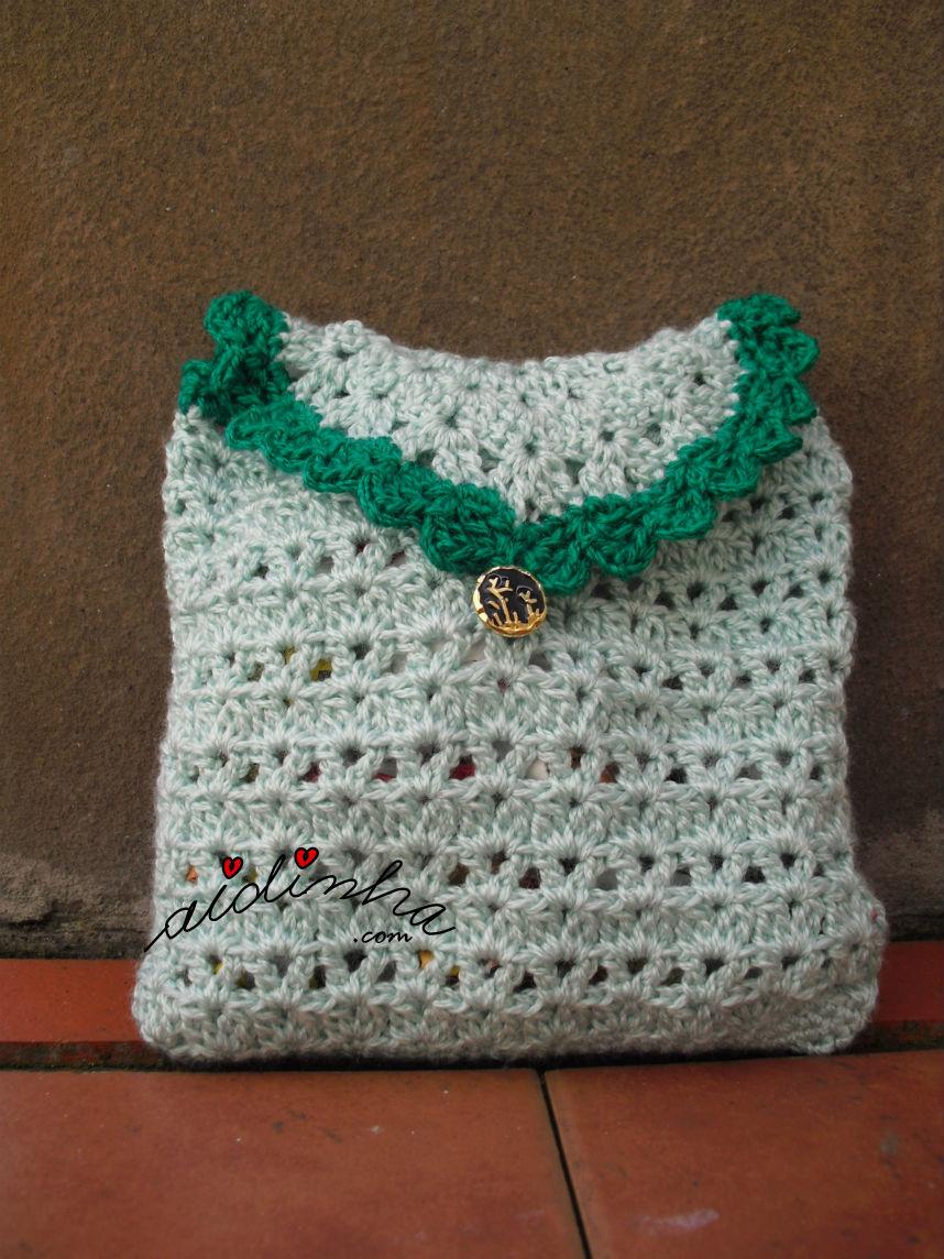Bolsa em crochet, verde clara com picô verde escuro