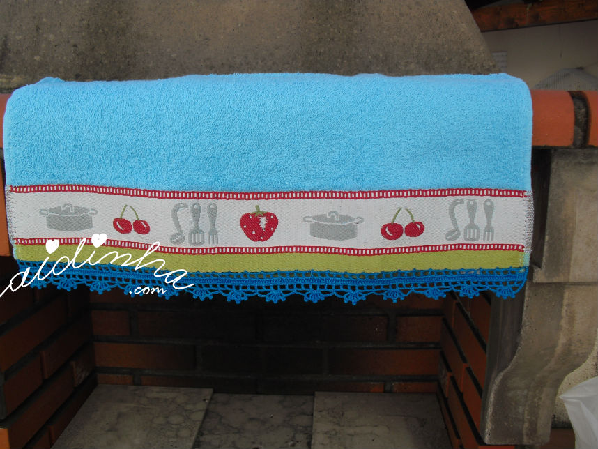 Pano cozinha/copa, com picô em crochet azul