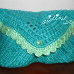 Bolsa, em crochet, tipo envelope, verde mar