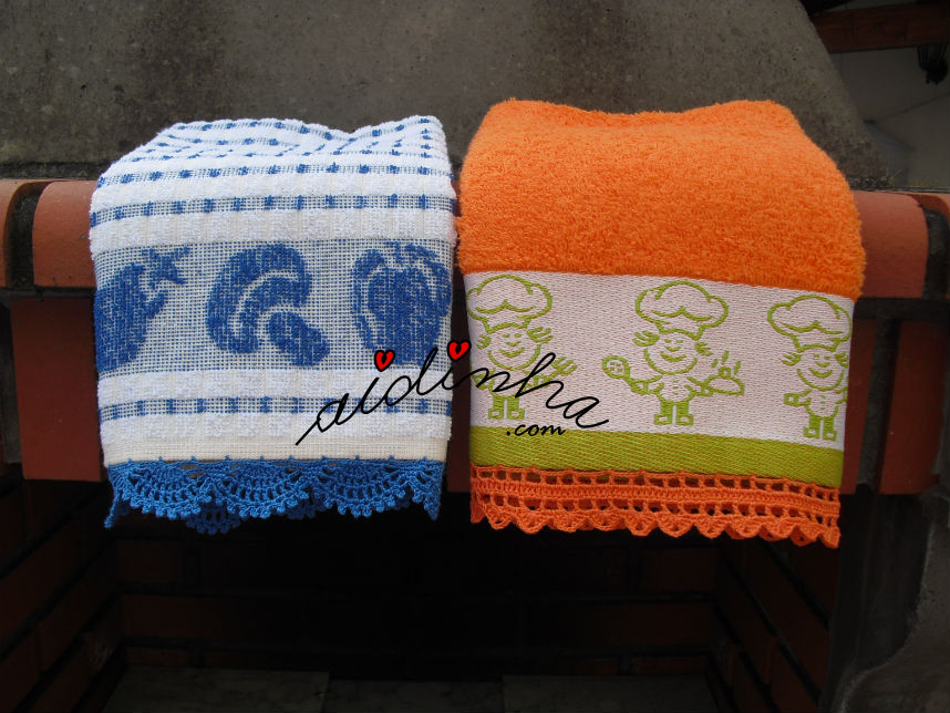 Panos cozinha/copa com picô de crochet nas cores azul e laranja