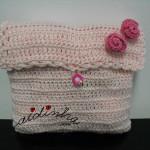 Bolsa, em crochet, rosa claro com rosas de enrolar