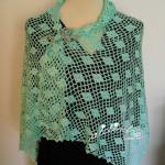 Estola, em crochet rendado, na cor verde água