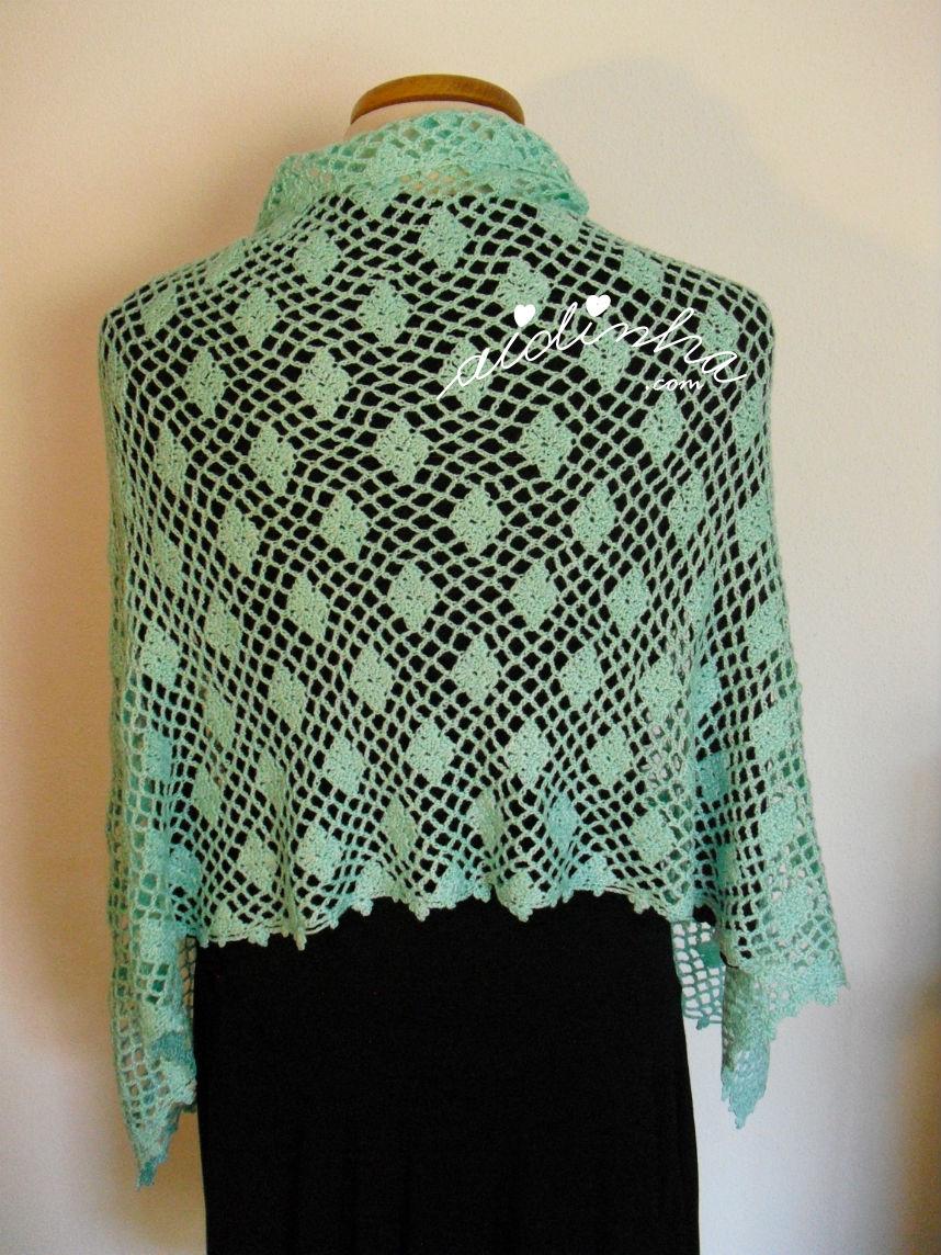 Vista detrás da estola, em crochet, verde água