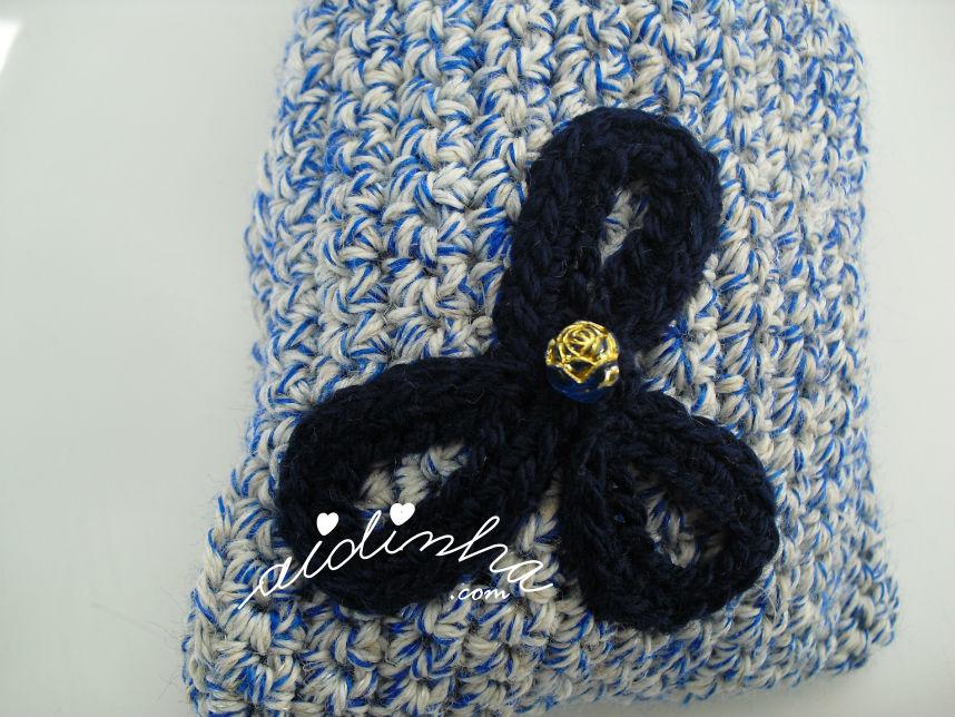 Flor da bolsa retangular, de crochet, azul mesclada