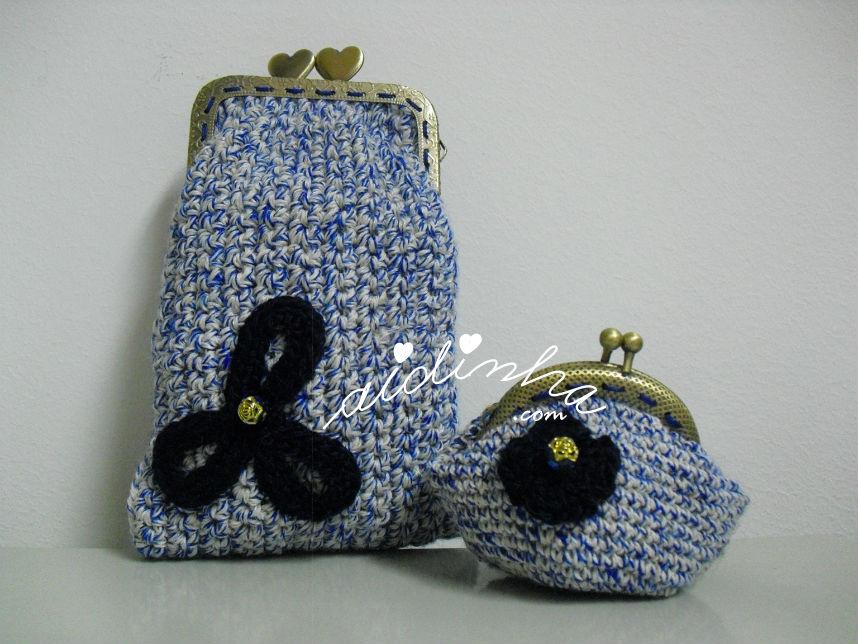 Conjunto de bolsas, em crochet, azul mesclado com flores azuis