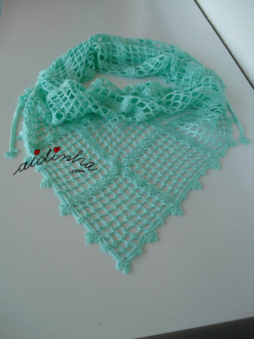Outra vista do baktu, de crochet, verde água