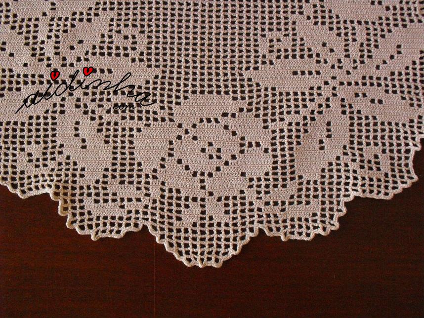 Parte central do desenho do naperon de crochet creme