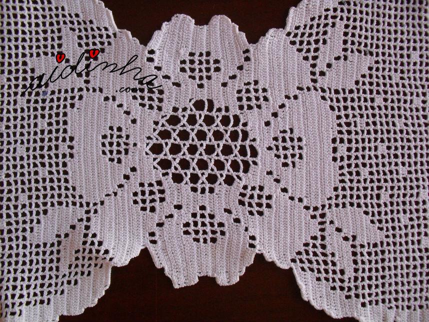 Flor central do naperon de crochet, branco