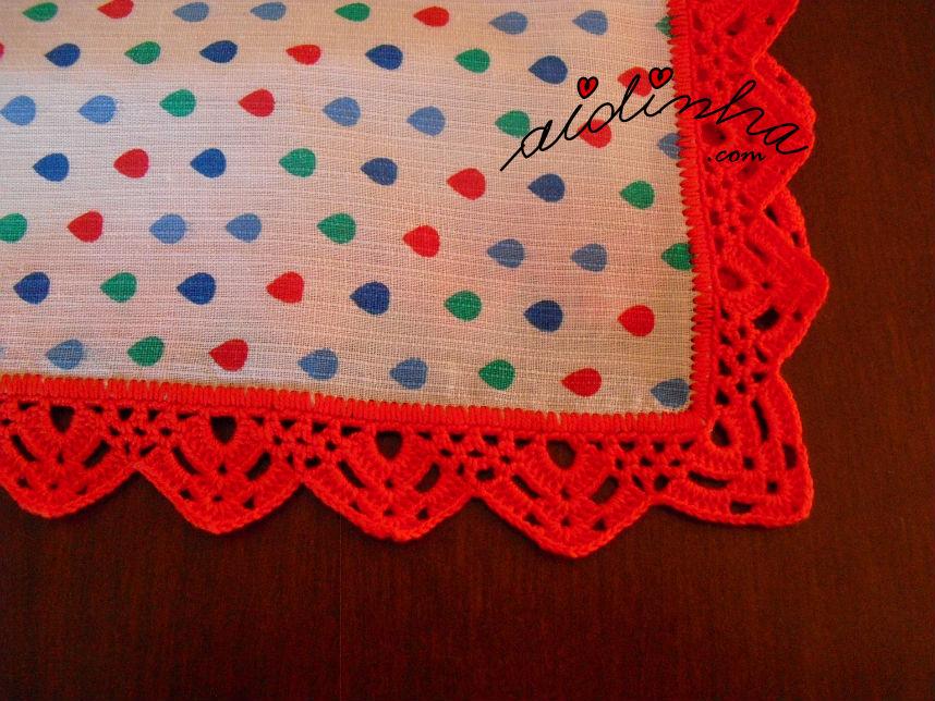 Outra vista do picô de crochet vermelho