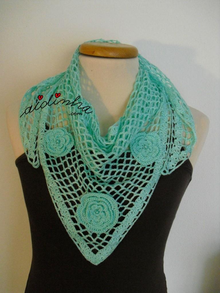 Baktu, em crochet, verde água com flores