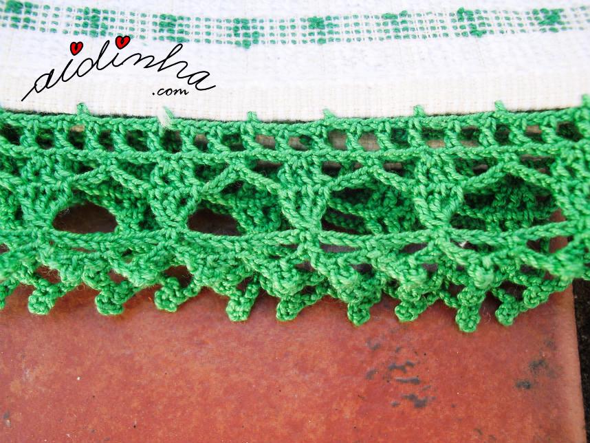 Foto de perto do picô de crochet verde
