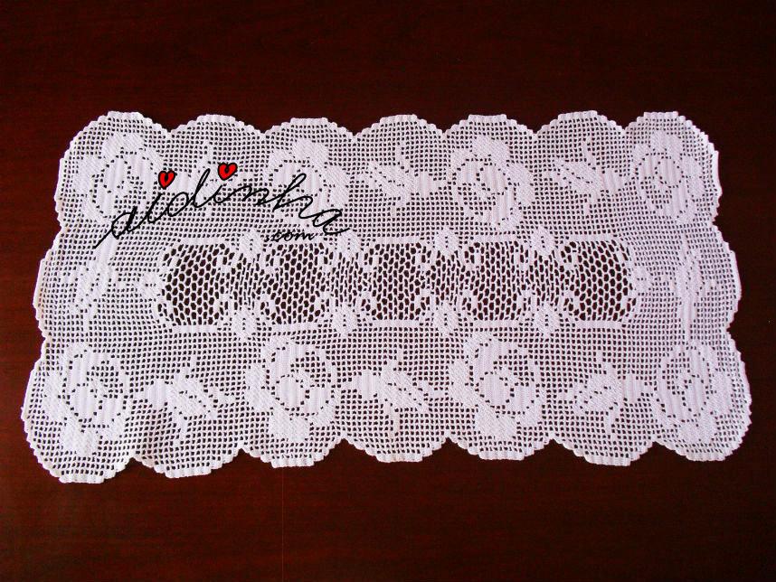 Naperon/caminho mesa em crochet, com rosas