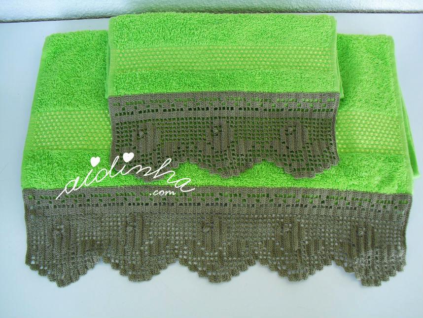 Conjunto toalhas banho com renda de crochet cinza escuro