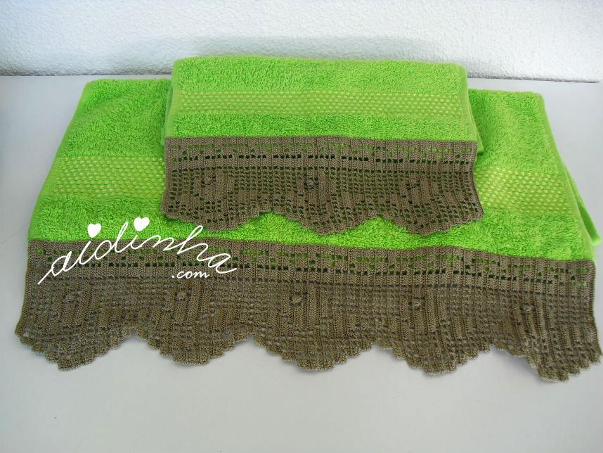 Conjunto toalhas banho com renda de crochet larga