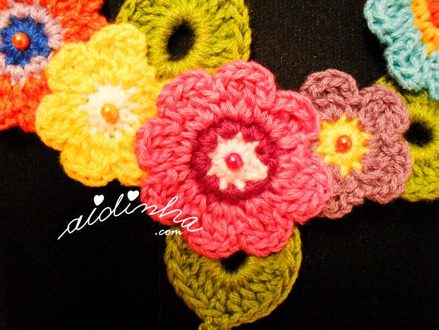 Vista das flores centrais do colar bouquet