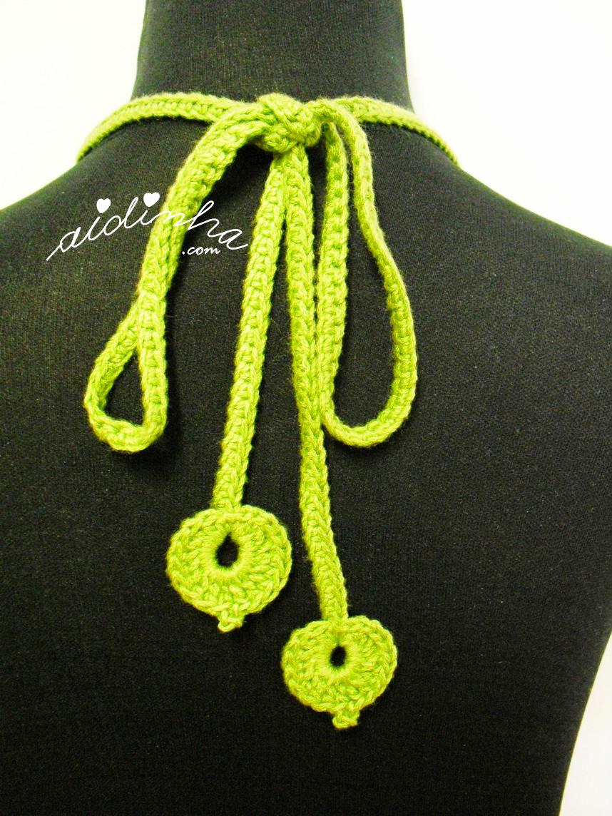 Vista do cordão de amarração, em crochet