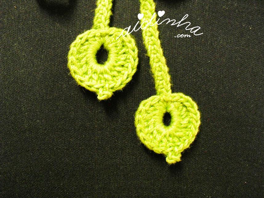Pormenor das folhas do fio de amarração, de crochet