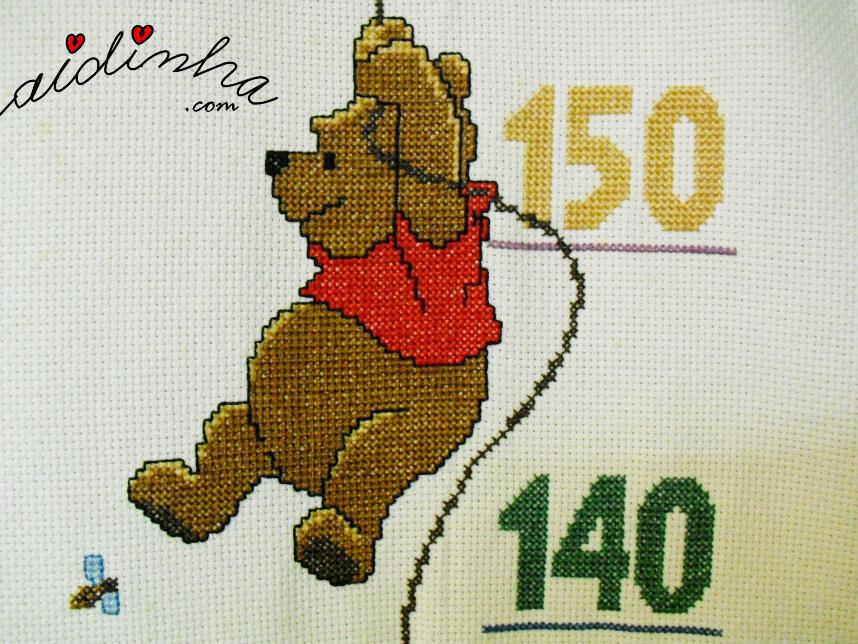 Desenho completo do ursinho pooh, em ponto cruz
