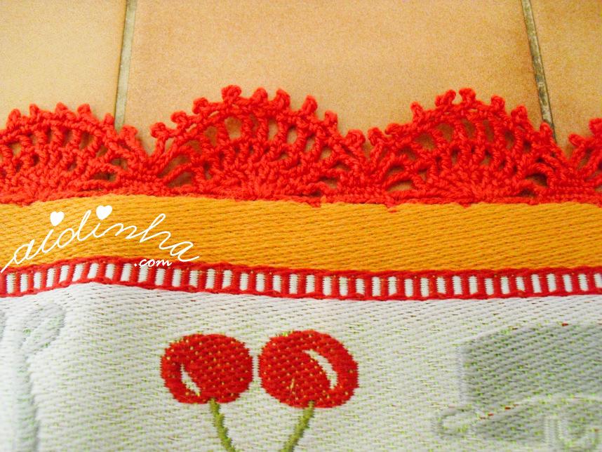Vista do picô de crochet vermelho