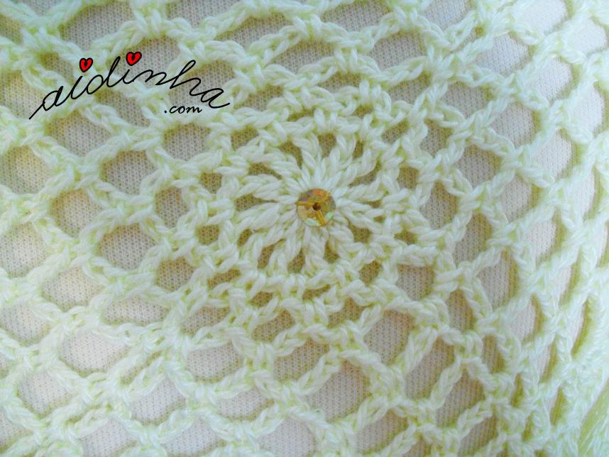 Imagem da lantejoula no centro do quadrado de crochet