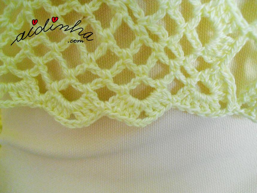 Pormenor do lado dos quadrados de crochet da estola