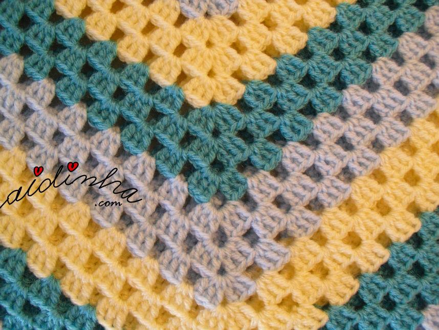 Foto do ponto de crochet do poncho infantil