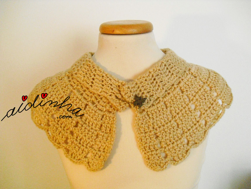 Pelerine cre, em crochet