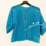 Casaco de crochet, na cor turquesa