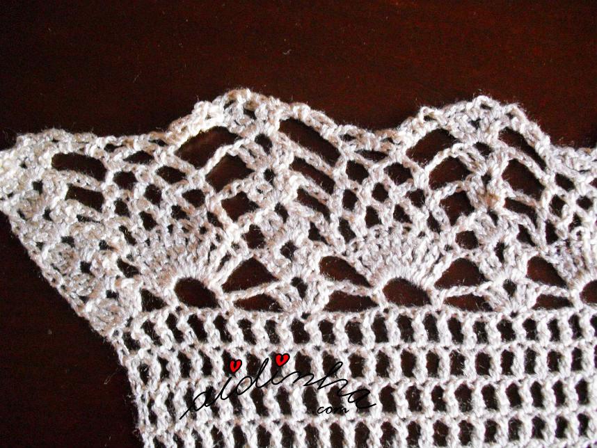 Imagem do ponto de crochet de terminação dos lados da estola creme