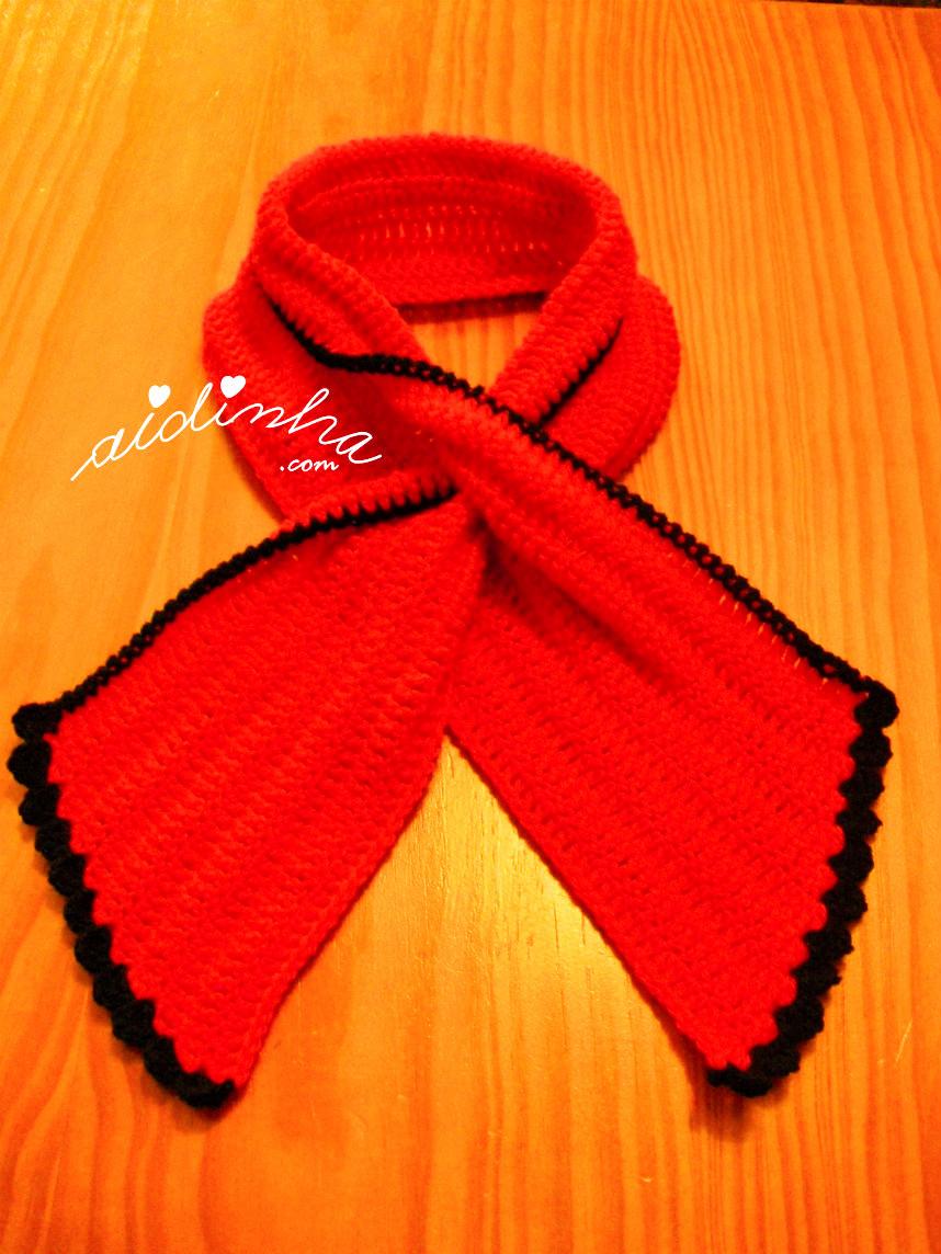 Outra imagem da gola Graciosa vermelha e preto