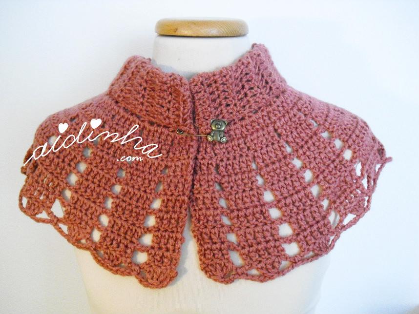 Pelerine, em crochet, na cor rosa velho