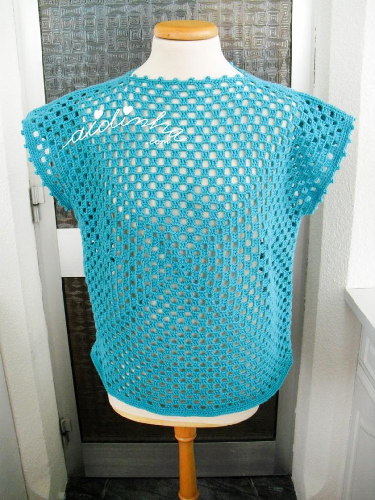 Blusa de crochet, na cor turquesa