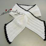 """Gola """"Graciosa"""", em crochet, branca com picô preto"""