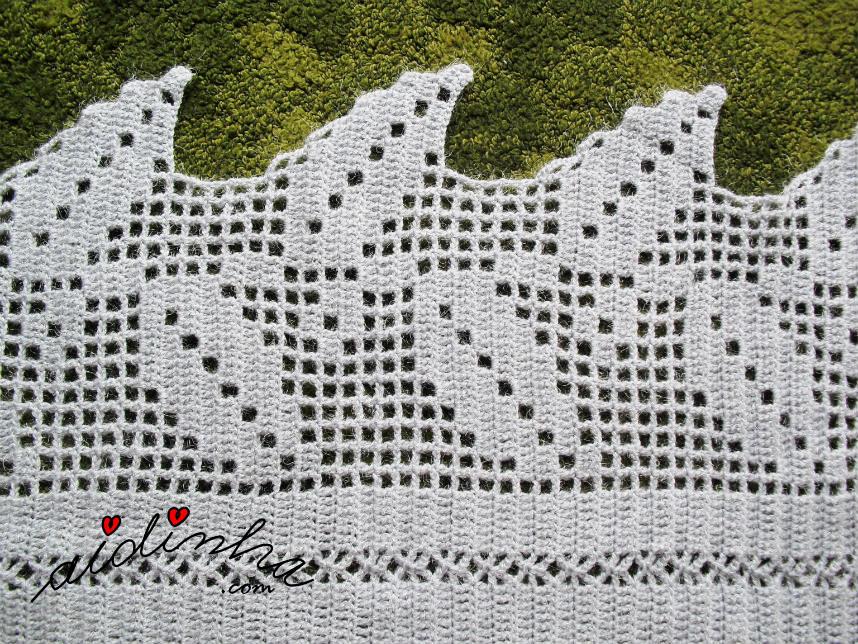 Desenho das folhas da estola de crochet, cinza e prata