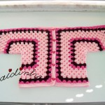 Casaco de crochet, para menina, em tons de rosa