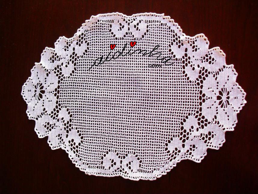 Outra foto do naperon de crochet branco