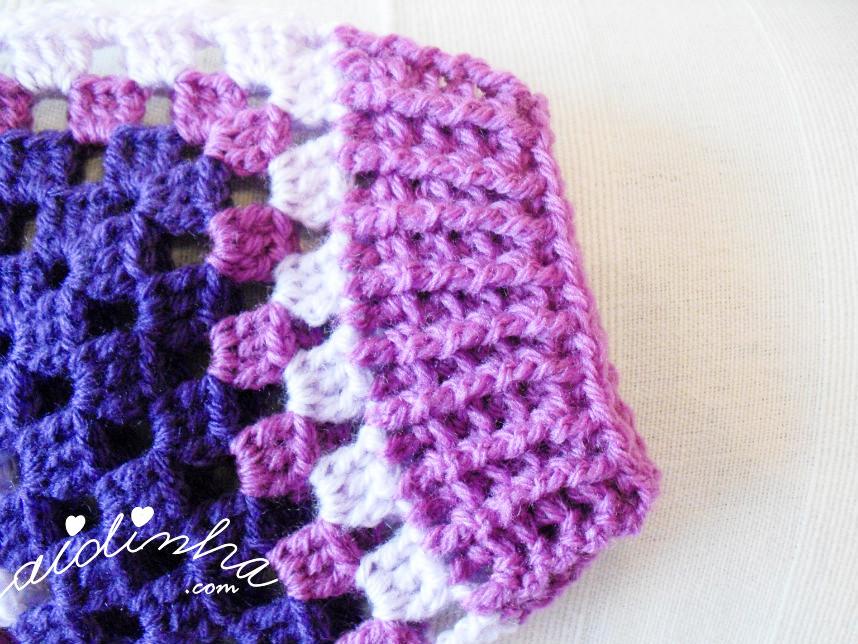 Foto do punho do casaco infantil, de crochet