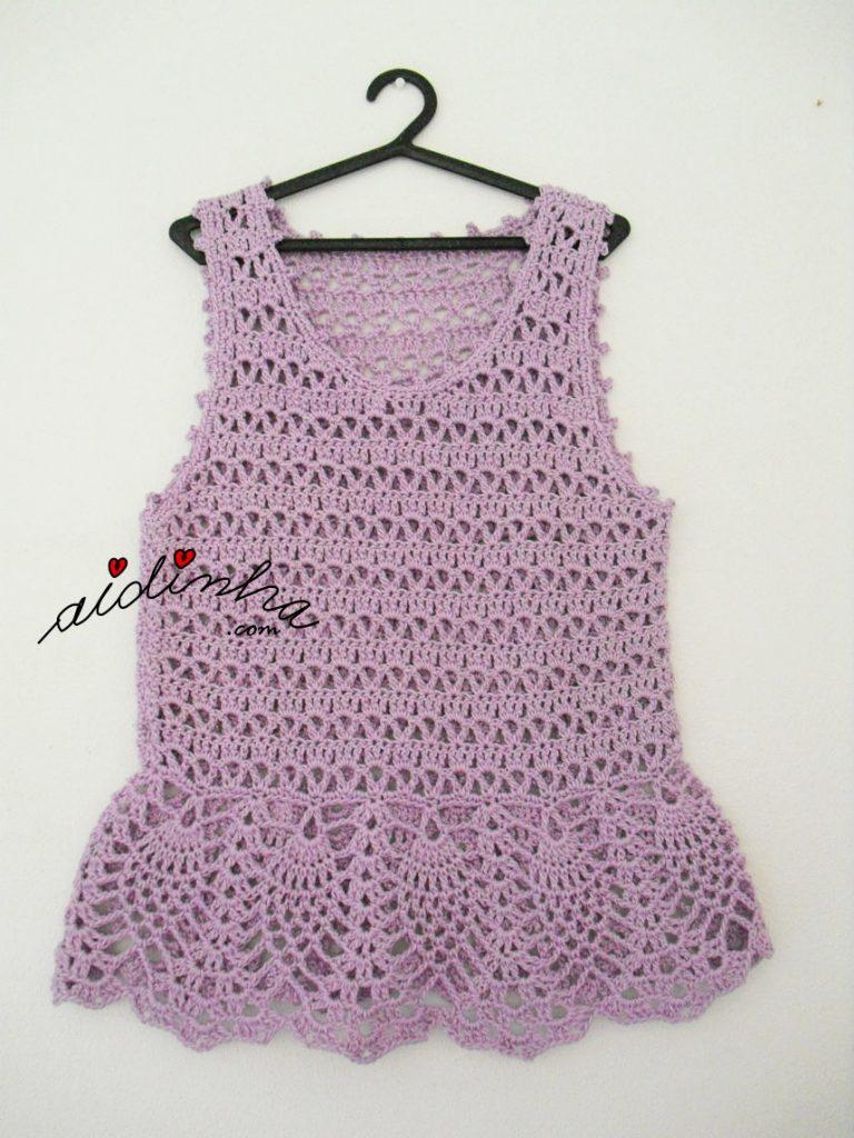 vestido infantil de crochet, na cor lilás