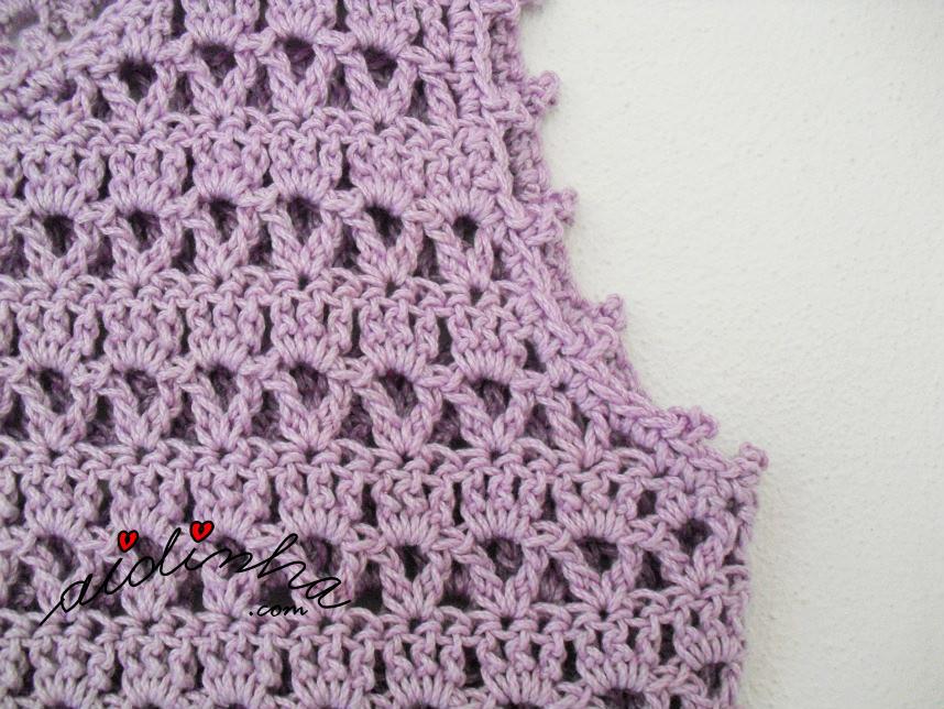 Foto da cava do vestido infantil lilás