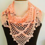 Baktu, de crochet, na cor salmão com ponto entrecruzado