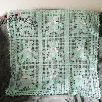 Manta para bébé, em crochet, em verde água e com ursinhos